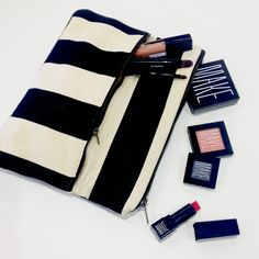 Enter to win $200 worth of beauty products & accessories from MAKE & We See Beauty. Click through to enter (now through 4/14/13). (Cool Easy Makeup)