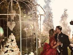 Dolce monumentale, fuochi artificiali, bolle di sapone e champagne !! Che la favola abbi inizio #ricevimento #nozze #wedding Angelo, Champagne, Couple Photos, Couples, Couple Shots, Couple, Couple Pics