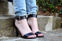 Shop: http://buffalo-shop.de/11327-259/11327-259,de_DE,pd.html&start=1&cgid=11700#!i%3D0%26color%3D150767%26size%3D36&wt_mc=de.sm.pin.post.x.x  Blog Post: http://www.getcarriedaway.net/2014/03/i-put-some-new-shoes-on.html