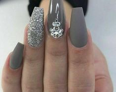 Gray and Glitter Acrylic Nail Art Design . Nails Gray and Glitter Acrylic Nail Art Design … - Nail Design Ideas! Acrylic Nails Stiletto, Best Acrylic Nails, Acrylic Nail Art, Coffin Nails, Silver Acrylic Nails, Matte Gray Nails, Grey Nail Art, Glitter Acrylics, Gel Nails With Glitter