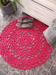 Pink crochet round rug by NavitrineShop