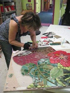 Cool picture series about making a mutual for a coffee shop by Pam Goode setting…Mosaic panel in progress. Pam Goode setting by Institute of Mosaic Art, via…Institute of Mosaic Art Mural Making Intensive April 2008 Susanne Takehara…Very nice Mo Mosaic Artwork, Mosaic Wall Art, Tile Art, Mosaic Glass, Mosaic Tiles, Stained Glass, Glass Art, Tiling, Leaded Glass