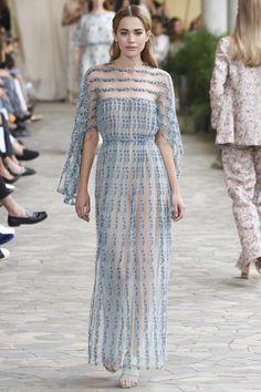 #LuisaBeccaria #fashion #Koshchenets Luisa Beccaria Spring 2017 Ready-to-Wear Collection Photos - Vogue