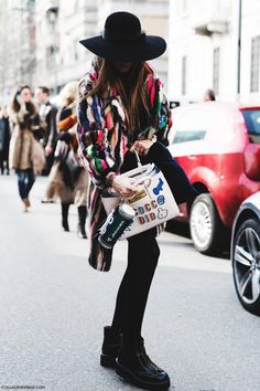 Milan_Fashion_Week-Fall_Winter_2015-Street_Style-MFW-Carlotta_Oddi-Fur_Colorful_Coat-