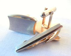Hickok Cufflinks and Tie Clip Set, Two Toned Curved Rectangle Geometric Space Age, Gold Silver, 50s Midcentury Modern