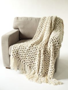 Ravelry: 5 hour Throw (Aran Weight S Hook) free pattern by Lion Brand Yarn lovely Crochet Home, Love Crochet, Easy Crochet, Knit Crochet, Crochet Lion, Crochet Mandala, Double Crochet, Crochet Afgans, Crochet Blankets