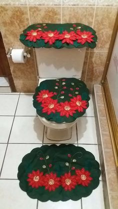Resultado de imagem para juegos navideños de baño Bathroom Crafts, Bathroom Sets, Homemade Christmas, Christmas Home, Window Table, Holiday Crafts, Holiday Decor, Felt Christmas Decorations, 4th Of July Wreath