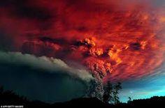 Resultado de imagen de volcan con relampagos
