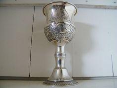Big Jewish Silver Goblet/Chalice.Judaica Silver  eerlijk gebruikt joods antiek zilver  zeer grote uitvoering