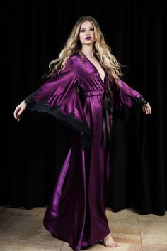 Old Hollywood Robe,Purple Pagan Robe,Long Silk Burlesque Robe,Long Ceremonial Robe,Purple Gothic Rob Look Fashion, Fashion Models, Fashion Tips, Silk Robe Long, Witch Dress, Silk Nightgown, Modelos Fashion, Floor Length Dresses, Satin Dresses