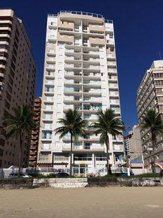 Imagens mostram agentes da PF vasculhando triplex em Guarujá. Saiba mais: http://glo.bo/1TYJg8A. 04/03/2016.
