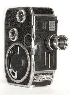 Bolex Paillard: cinepresa modello C-8 per il formato 8 mm. Anno 1956. #modernariato #vintage