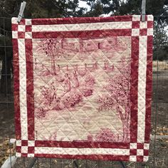 I finished the Cape Cod toile little quilt. Suzette, in Bend, was kind enough to share that center piece with me and this is how I chose t. Medallion Quilt, Rail Fence, My Sewing Room, Hand Quilting, Quilt Making, Cape Cod, Old Things, Quilts, Fabric