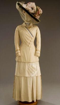 1912 Tirelli Dress with a Beautiful Hat