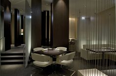 private dining obsured by glass and screens. #Hospitality #Restaurant