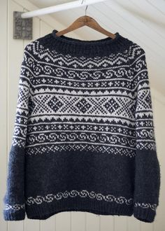 Ravelry: Setesdals pattern by Katrine Sweater Knitting Patterns, Knit Patterns, Nordic Sweater, Men Sweater, Knitting Short Rows, Norwegian Knitting, Icelandic Sweaters, Aran Weight Yarn, Fair Isle Pattern