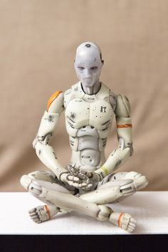 1/6 Synthetic Human Test Body - meditating (2014) - This really is the only crossed legs position that is achievable.
