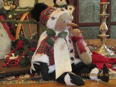 Primitive Christmas Winter Folk Art Snowman  / Snowgirl doll with tiny snowman #NaivePrimitive #artist