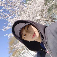Hyunjin llama or ttoki Lee Min Ho, Rapper, Lee Know, My Prince, Boyfriend Material, K Idols, South Korean Boy Band, Pop Group, Pretty Boys