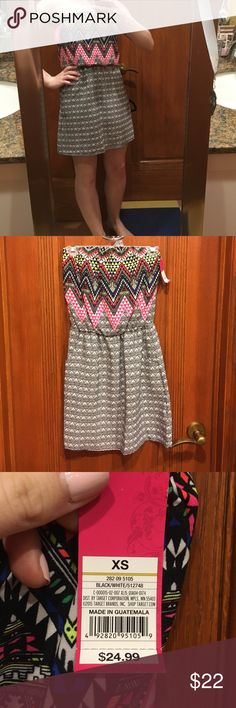 Neon Pattern Strapless Dress This dress is NWT and is so so pretty! Selling it because it doesn't fit my bust well. Xhilaration Dresses Strapless