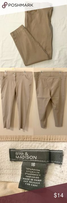"""Khaki Pants These khaki pants are fitted like skinny jeans but they are so comfortable! 👖💞   Product details:  - Stretchy material  - Size 16: 43-45"""" 89th & Madison Jeans Skinny"""