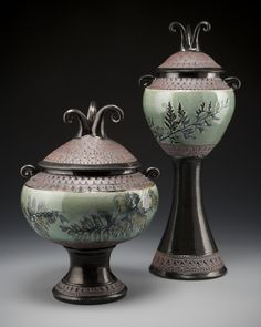 Lovely ceramics by Suzanne Crane Ceramic Boxes, Glass Ceramic, Ceramic Clay, Ceramic Pitcher, Raku Pottery, Kintsugi, Ikebana, Burial Urns, Pottery Designs