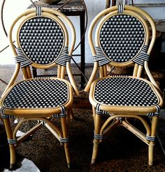 Merveilleux Montreux / Trove Trading Co // French Cafe Chairs