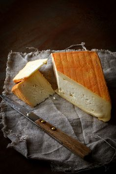 .Maroilles French Cheese // region : Nord Pas de Calais // milk : cow // (queso frances, fromage aop)