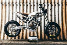 Generation Bobber: Husqvarna FE 501 Umbau von loon cycleworks