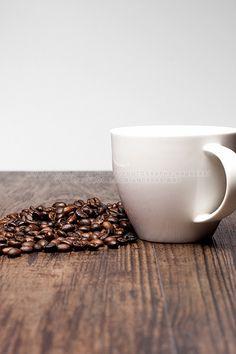 make coffee from beans | arabica, aroma, awaken, background, bean, Beans, best coffee maker, blank, bohne, bohnen, bohnenkaffee, break, brown, cafe, classical, coffee beans, coffee cup, coffee day, coffee pictures, coffeebeans, coffee-beans, coffeecup, cup, dark, delicious, dishware, drink, empty, enjoy, enjoying, everyday, Food, fresh, hot, Kaffeebohnen, lifestyle, morning, mug, online coffee, porcelain, Product Photography, Produktfotografie, relax, roast, roasted, roestung