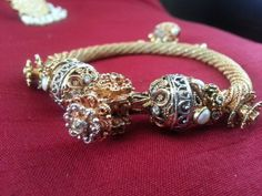 Hey, I found this really awesome Etsy listing at https://www.etsy.com/listing/186805304/indian-gold-and-white-kundan-and-pearl