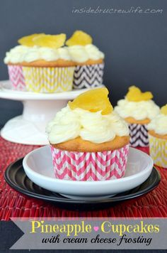 Pineapple filled Cupcakes - vanilla cupcakes filled with pineapple preserves and topped with cream cheese frosting and candied pineapple Filled Cupcakes, Yummy Cupcakes, Vanilla Cupcakes, Lemon Cupcakes, Just Desserts, Delicious Desserts, Dessert Recipes, Dessert Ideas, Cake Ideas