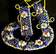 """Купить Комплект украшений """"Лунные цветы"""" с лунным камнем, лазуритом и сердоликом - тёмно-синий, комплект украшений, Комплект с камнями"""