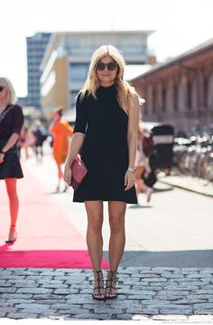 Compil blonde legging mature upskirt combi transparent