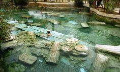 hierapolis-pamukkale | Você já se imaginou nadando entre ruínas históricas de uma cidade?