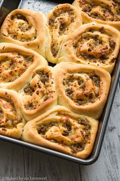 Sausage and Cheese Breakfast Rolls via @introvertbaker