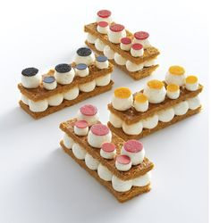 Immagine di http://www.fauchon.com/media/wysiwyg/services/madeleine/24-26/patisserie.jpg.