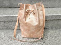 DIY-Anleitung: Bucket Bag aus Leder nähen via DaWanda.com