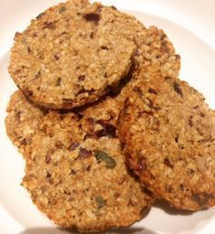 krokante havermoutkoekjes How do you make crispy oatmeal cookies? Read here how easy you can make these sugar-free cookies. Healthy Cake, Healthy Cookies, Healthy Sweets, Healthy Baking, Breakfast Crockpot Recipes, Snack Recipes, Dessert Recipes, Best Breakfast Bars, Breakfast Pizza