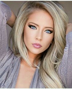 Natural makup and blonde hair color Natural makup and blonde hair color – Farbige Haare Blonde Hair Color Natural, Blonde Beauty, Hair Beauty, Natural Makup, Blonde Hair Blue Eyes Makeup, Make Up Blonde Hair, Blonde Hair Colors, Blonde Eyebrows, Hair Colour