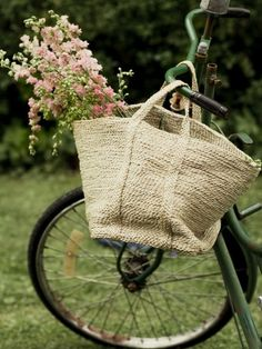Always wanted a bike like this will a basket on the front :)