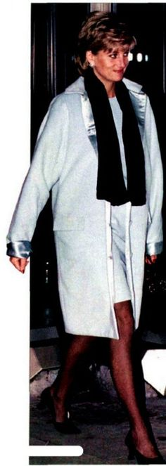 December 1995  Diana at Heathrow ~ She looks beautiful in this photo!!