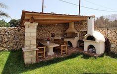 barbecue en pierre naturelle, abri de jardin en bois, clôture en pierre et meubles en bois massif