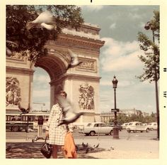 birds in flight | Paris 1968 | Arc de triomphe