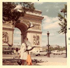birds in flight | Paris 1968 | Arc de triomphe