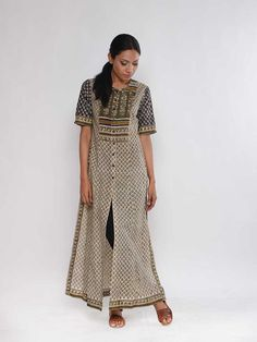 """Description: It is a block printed kurta with side slits. Length of the kurta is 52"""". Size Chart - These are garment measurements: XS - Chest : 33'', Waist : 3"""