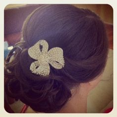 www.harpier.com.au  #bridalupstyle #curls #Bridalcomb #weddinghair  Enquire now for wedding hair and makeup!