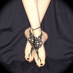 Tatted Barefoot Sandals  The Queen's Feet by TotusMel on Etsy, $53.00    These are even more amazing!