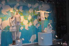 Création poétique pour les vitrines de Promod Champs-Élysées