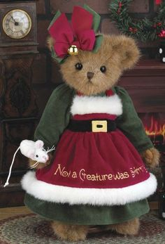 Stylish Teddy Bear Decoration in a Cute Christmas Dress Christmas Limited Edition Bearington Bear. Highly Collectible A fabulous addition to any set of Christmas decorations Attention to detail. Christmas Teddy Bear, Cozy Christmas, Christmas Baby, Xmas, Christmas Themes, Christmas Decorations, Vintage Teddy Bears, Cute Teddy Bears, Teddy Bear Pictures